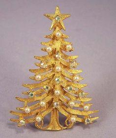 MYLU Vintage Pearl & Rhinestone Christmas Tree Brooch