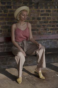 Get this look: http://lb.nu/look/8644023 More looks by Magdalena M: http://lb.nu/daj5zeta Items in this look: H&M Trousers, Armando Pollini Mules #bohemian #romantic