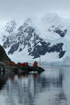 Argentinian Research Station at Neko Harbor, Antarctica. Photo by Justine Carson.