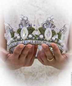 Headdress, Headpiece, Fantasy Craft, Diy Bead Embroidery, Crown Pattern, Hair Jewels, Medieval Costume, Hair Decorations, Head Crown