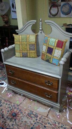 Dresser to Bench Transformations - Sortrature Refurbished Furniture, Unique Furniture, Repurposed Furniture, Furniture Projects, Furniture Making, Furniture Makeover, Painted Furniture, Diy Furniture, Furniture Design
