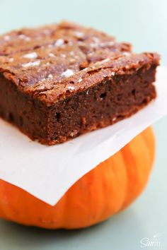 4-Ingredient Pumpkin Nutella Brownies are Nutella, chocolate and pumpkin.Forget the flour friends, you don't need it.