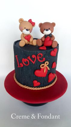 Bears in love cake by Creme & Fondant