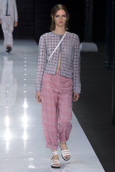 Emporio Armani Spring 2018 Ready-to-Wear Fashion Show Collection