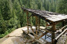 Umpqua Hot Springs plagued by piles of feces, 'Charles Manson attitude'