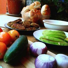 https://flic.kr/p/w8qRhA | Vegan lunch - Sandwich time with lots of vegan goodness ☺ #vegan #veganeats #vegancook #veganfoodporn #veganfood #foodtube #foodblogger #foodporn #veganism #veganlifestyle #food #foodismedicine #homecooking #cooking #plantbased #organicfood #vegetarian #l | via Instagram ift.tt/1Iqe3rx