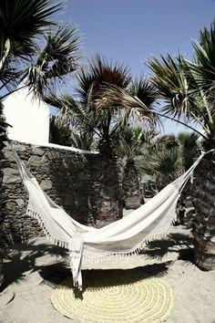Porque el Sábado es para relajarse en una bella hamaca...Because Saturday is to relax in a beautiful hammock... https://brasilchic.net/en/53-hammocks