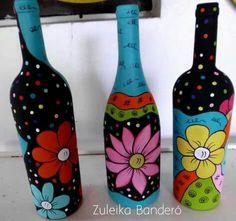 Resultado de imagen para how to fabric decoupage wine bottle Empty Wine Bottles, Wine Bottle Art, Painted Wine Bottles, Diy Bottle, Painted Wine Glasses, Decorated Bottles, Glass Bottle Crafts, Bottle Painting, Jar Crafts