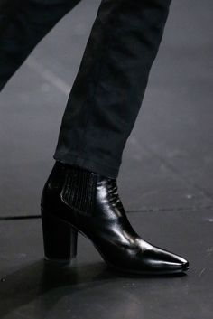 men's boots Saint Laurent - Fall 2015 Menswear - Look 12 of 98 Men In Heels, Men S Shoes, Mens Heeled Boots, Men In Boots, Cuban Heel Boots, Saint Laurent Boots, Dress With Boots, Leather Accessories, Men Dress