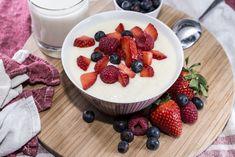 A tejbegríz bevált receptje: ezekkel az arányokkal lesz tökéletes - Recept | Femina Acai Bowl, Pudding, Breakfast, Food, Acai Berry Bowl, Morning Coffee, Puddings, Meals, Yemek