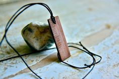 Wood pendant Jewelry necklace Men's necklace  Wooden by Oniroteo, €20.00