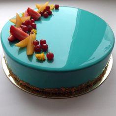 bolo espelho azul claro