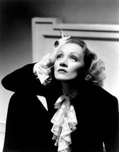 Marlene Dietrich como imagen referente en los años 30.