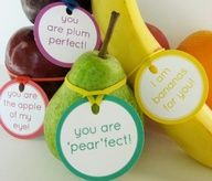 Link for free printable tags for fruit in your child's lunchbox. The site has lots of cute, creative food presentations to get kids eating healthy.