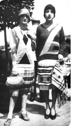 Sonia Delaunay, 30s Fashion, 1920s Flapper, Roaring Twenties, Norfolk, Art Deco, Textiles, Plaid, Glamour
