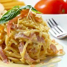 A Yummy Spaghetti Carbonara recipe. This Delicious meal is a family favorite. Italian Spaghetti Carbonara Recipe from Grandmothers Kitchen. Pasta Recipes, Chicken Recipes, Dinner Recipes, Dinner Ideas, Cooking Recipes, Meal Ideas, Food Ideas, Pasta Carbonara, Italian Dishes