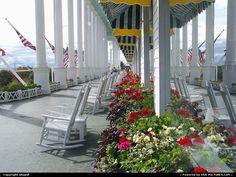 Google Image Result for http://photos1.usa-pictures.com/pictures/USA/MI/USA-Michigan-Mackinac%2520Island-1--77455184-.jpg