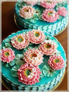 The Lotus Casino Beautiful Desserts, Beautiful Cakes, Amazing Cakes, Korean Buttercream Flower, Buttercream Flower Cake, Cupcakes, Cupcake Cakes, Cake Fondant, Buttercream Cake Decorating
