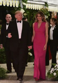 President Donald Trump and First Lady Melania Trump arrive at his Mar-a-Lago estate in Palm Beach Donald And Melania Trump, First Lady Melania Trump, Donald Trump, Milania Trump Style, Melina Trump, Pink And Red Dress, Christian Dior Dress, Wife Pics, Trump Is My President