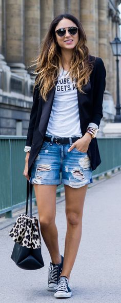 New Moda Casual Converse Denim Shorts Ideas Komplette Outfits, Short Outfits, Spring Outfits, Casual Outfits, Spring Shorts, Summer Denim, Blazer Outfits, Fashion Outfits, Moda Casual