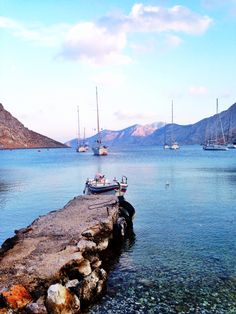 Kalymnos, Greece Vacation Destinations, Dream Vacations, Greece Holiday, Greek Isles, Greece Islands, Travel Maps, Archaeological Site, Greek Life, Beach Walk