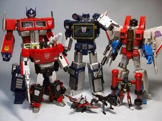 Image from http://www.pddnet.com/sites/pddnet.com/files/Transformers%20Old%20Toys.jpg.