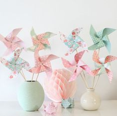 8 pinwheels in shades of pink and green water for baptism, birthday, decoration child's room. Cumpleaños Shabby Chic, Pastel Roses, Ideias Diy, Childrens Room Decor, Baby Birthday, Pinwheels, Diy And Crafts, Paper Crafts, Baby Shower Decorations