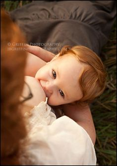 Portrait Photography Inspiration : One of the most beautiful breastfeeding images I've seen.