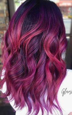 Kennt ihr schon den neuen Haarfarbentrend Pagenta? Eine Mischung aus Pink und Magenta und ein absoluter Highlight für den Winter 2017/2018 für braunes Haar! Erfahrt auf unserem Blog mehr über die tolle Haarfarbe! Pagent Hair Trend / Magenta Pink Hair Colour / Pagenta Haartrend / Trendhaarfarbe Winter 2017/2018 / Haartrend 2017/2018 | StyleFeed