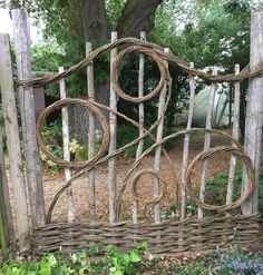 Backyard Garden Design, Diy Garden, Small Garden Design, Garden Art, Wooden Garden, Backyard Ideas, Garden Crafts, Garden Beds, Rustic Gardens