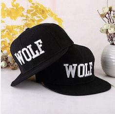 2016 New Hot Wolf Snapback Flat Along The Hat Baseball Cap Hip-hop Bone.  Gorras PlanasTrajesSombrerosVestidos De ... a9c4c57132e