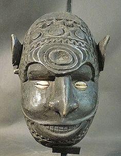 WOOD ANCESTOR SPIRIT HEAD MIDDLE SEPIK RIVER PAPUA NEW GUINEA
