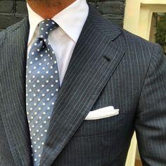 traje-raya-diplomatica-gris-pinstripe-suit-08