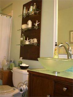 Δεν είναι  έκπληξη  για κανέναν  ότι  τα μπάνια  είναι  συνήθως  πολύ  μικροί χώροι . Παρά το γεγονός ότι  υπάρχουν  πολλά πράγματα  π...