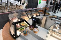 JORDAO@EUROSHOP 2020 DAISY display counters JORDAO COOLING SYSTEM 2020® Cooling System, Heating And Cooling, Heating Systems, Food Retail, Cold Dishes, Temperature And Humidity, Cold Meals, Display Case, Daisy