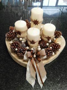 Christmas Decorations Diy Crafts, Centerpiece Christmas, Christmas Crafts To Make, Christmas Candles, Christmas Wreaths, Christmas Holiday, Homemade Christmas, Christmas Recipes, Christmas Ideas