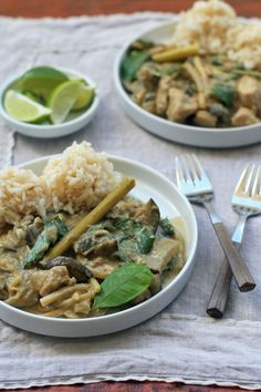 Thai Green Chicken Curry with Eggplant | http://www.girlcooksworld.com/2013/10/spicy-thai-green-curry-with-chicken-eggplant-and-bamboo-shoots.html
