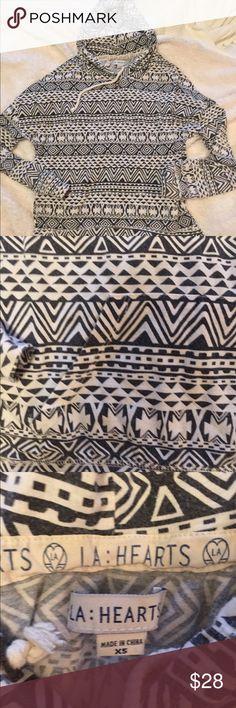 aztec hoodie LA hearts/Pacsun aztec print pull over hoodie. no defects. mild wear. PacSun Tops Sweatshirts & Hoodies