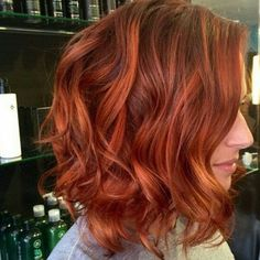 Fiery red to copper balayage ombré on short to medium length hair . - Fiery red to copper balayage ombré on short to medium length hair … - Red Bob Haircut, Bob Haircuts, Haircut Short, Shades Of Red Hair, Auburn Hair, Hair Color Balayage, Balayage Highlights, Balayage Bob, Auburn Balayage
