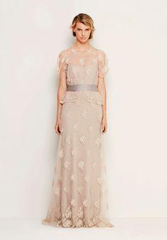 max-mara-david-jones-wedding-dress-bridal-gown-italian-designer-couture-inspiration-blush-pink-off-white7.jpg (605×870)
