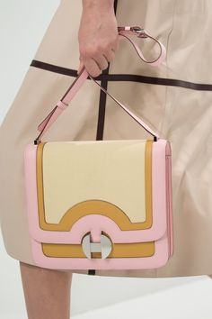 Hermès Spring 2018 Ready-to-Wear Accessories Photos - Vogue