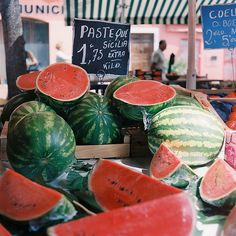 Pastèque is french for watermelon Healthy Life, Healthy Eating, Happy Healthy, Tasty, Yummy Food, Fruits And Veggies, Love Food, Cravings, Food Photography
