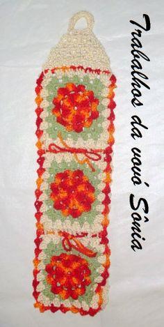 Trabalhos da vovó Sônia: Porta papel higiênico flor de outono - croché