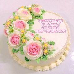 FB//Flower Cake by Jeeb&Vem  Nakhonsawan Thailand #flower #Cake #Buttercream #flowercake14 <--- IDLINE  Tel.088-281-4821 สอบถามคอร์ส