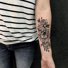 """91 Likes, 1 Comments - Bruscio Prado (@bruscioprado) on Instagram: """"✖️ primeira tattoo ✖️ . . Primeira tattoo da @becashea uma responsabilidade sempre em tatuar e mais…"""""""