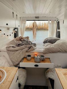 Caravan Makeover, Caravan Renovation, Van Conversion Interior, Camper Van Conversion Diy, Bus Living, Tiny House Living, Kombi Home, Van Home, Campervan Interior