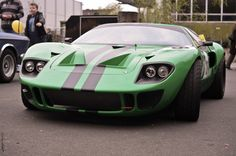 Ford GT40. Love the color scheme!