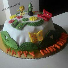Butik kurabiye & pasta ;-) #pasta #kek #kurabiye #doğumgünü #babyshower #mevlüt #nişan #annevebebek pasta siparişleri alınır kişiye özel pasta modelleri