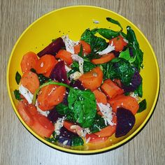 💚🥕Carrot and chicken salad🥕💚   - carrots 250g - beetroot 100g - spinach 20g - chicken breast 100g - olive oil 2g  🥕🥕🥕🥕🥕🥕🥕🥕🥕🥕  #carrot #chickensalad #chicken #beetroot #spinach #hotsalad #lowcalorie