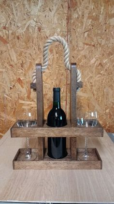bottle crafts wood Best Picture For DIY Wine Rack simple For Your Taste You are looking for something, and it is going to tell you exactly what you are looking for, and you didn't find that pic Wood Shop Projects, Small Wood Projects, Diy Pallet Projects, Woodworking Projects Diy, Wine Bottle Glass Holder, Glass Bottle Crafts, Wine Bottles, Glass Bottles, Deco Restaurant